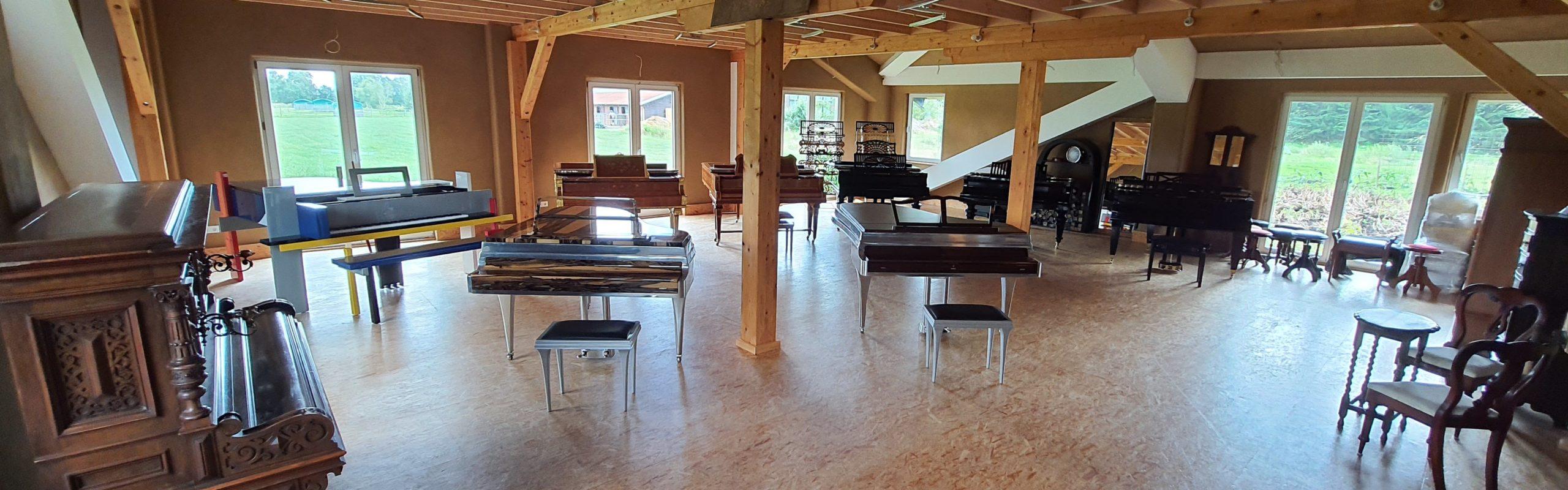 Pianova Instrumenten Ausstellung von Flügeln und Klavieren